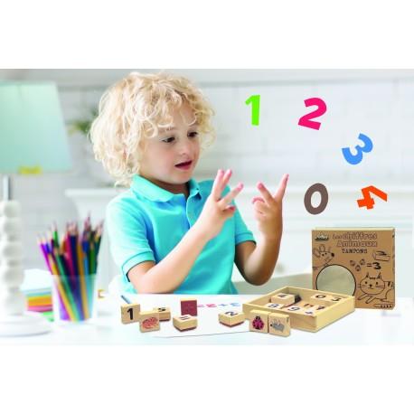 Tampones de madera de los animales para aprender a contar